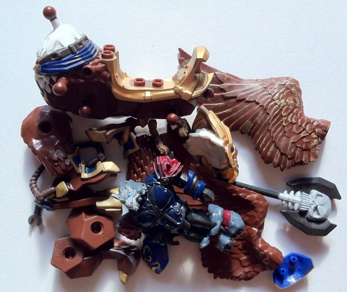 Pile of Parts from World of Warcraft Mega Bloks Swift Gryphon 91021