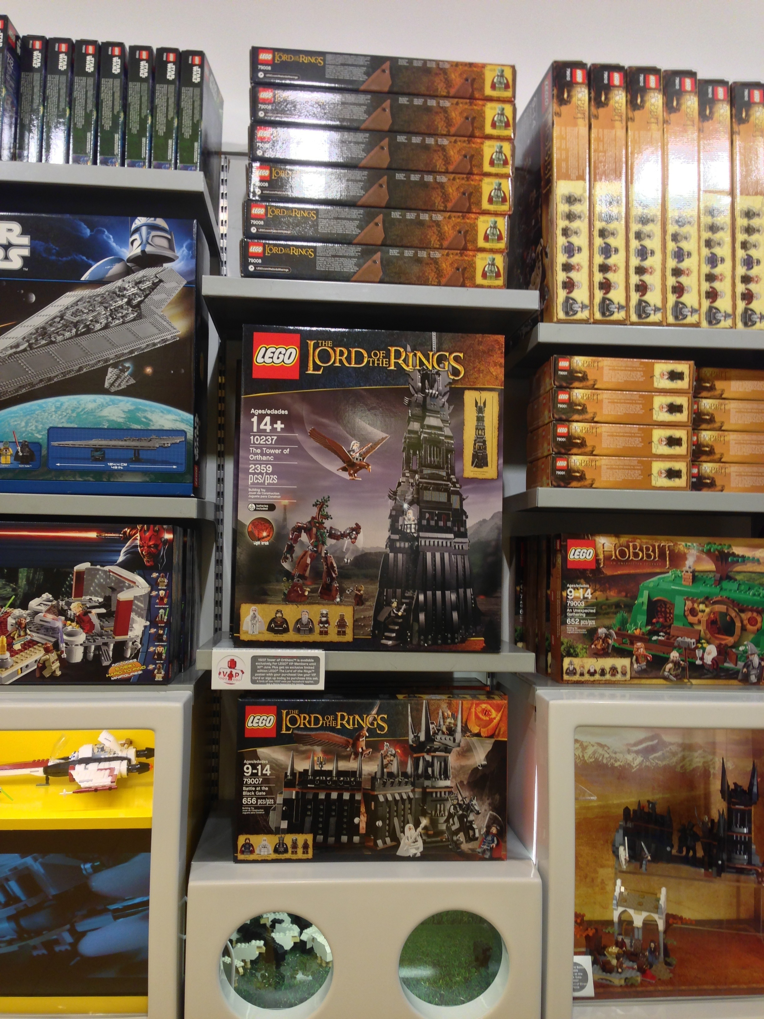 Lego Tower Of Orthanc 10237 Set Display Photos At The Store Lord Rings Battle Black Gate 79007 Summer 2013 Sets