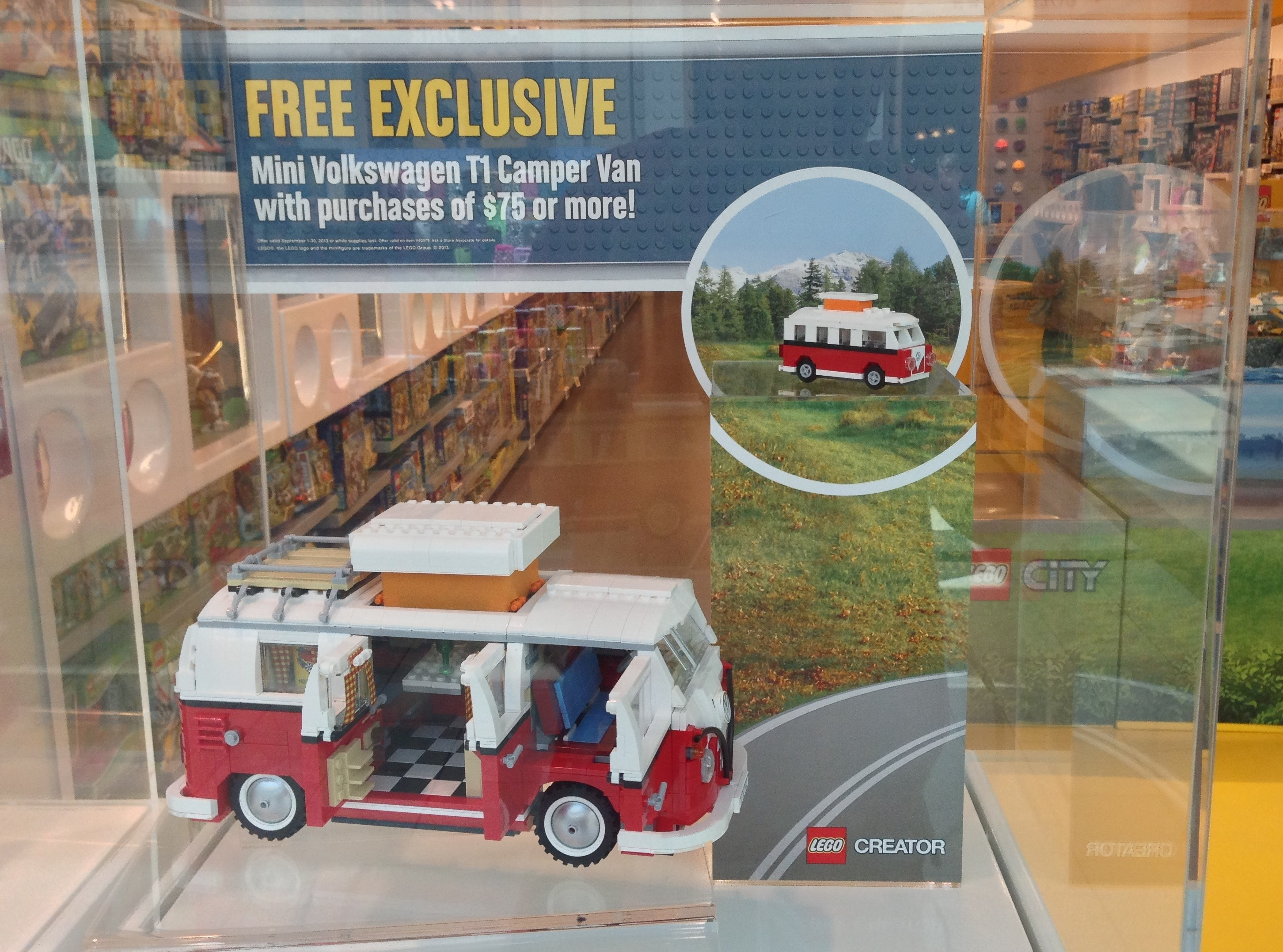 exclusive lego mini volkswagen t1 camper van photos. Black Bedroom Furniture Sets. Home Design Ideas