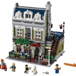 2014 LEGO Parisian Restaurant 10243 Modular Building Photo Preview!
