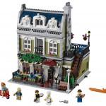 2014 LEGO Parisian Restaurant 10243 Modular Building Photo Preview!