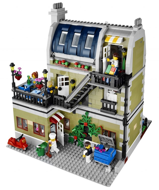 Winter 2014 LEGO Parisian Restaurant 10243 Set Back