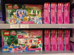 2014 LEGO Disney Princess Sets Released Little Mermaid & Cinderella