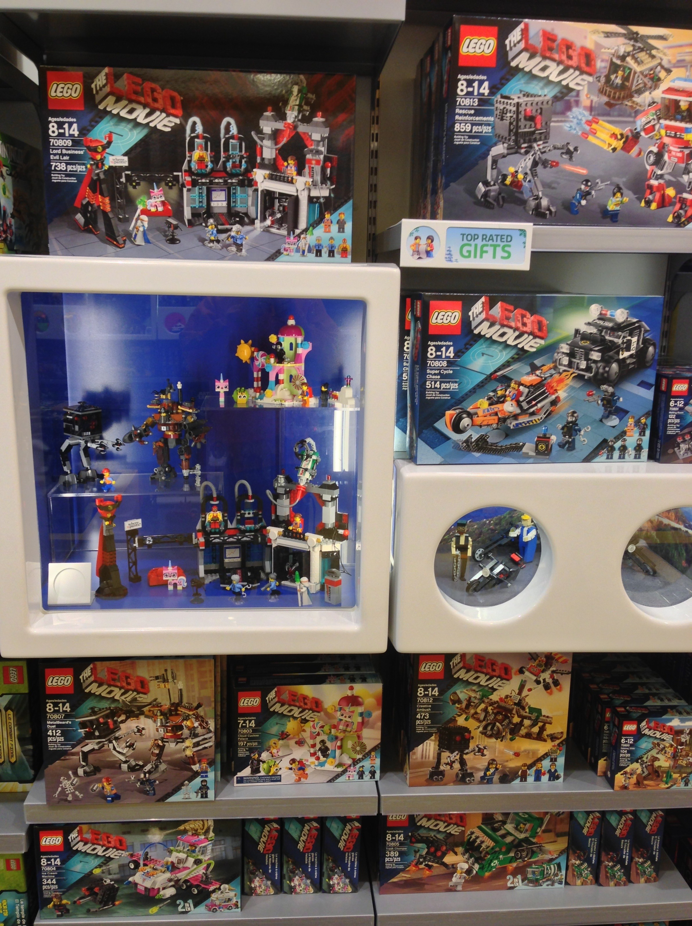 The lego movie sets released in stores online w photos for Lago shop online