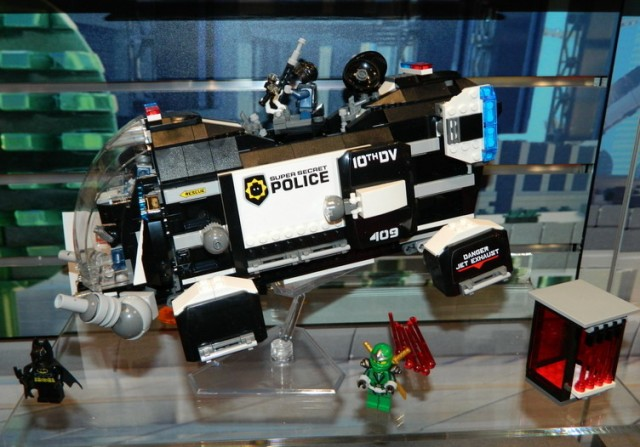LEGO Movie Summer 2014 Set Super Secret Police Dropship 70815