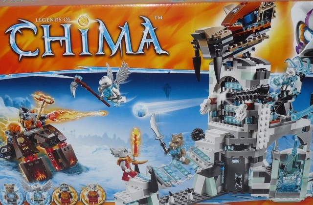 Summer 2014 LEGO Chima 70147 Sir Fangar's Ice Fortress Set