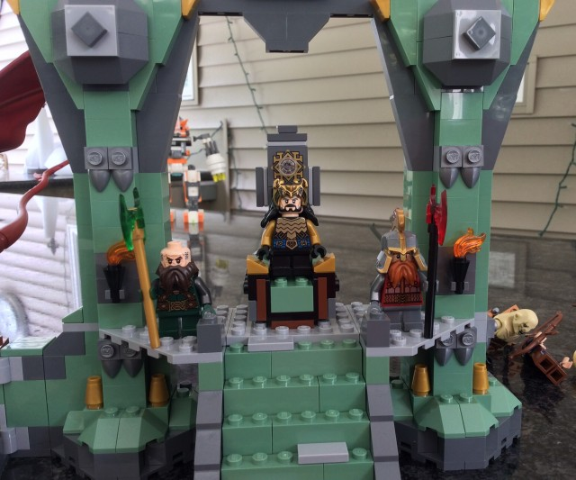 LEGO King Thorin Oakenshield Minifigure on The Lonely Mountain Throne 79017