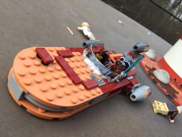 LEGO Guardians of the Galaxy Rocket Raccoon Hijacks a Landspeeder