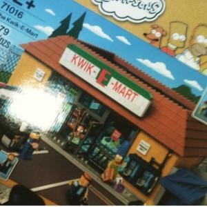 LEGO Kwik-E-Mart Set LEGO Simpsons 2015