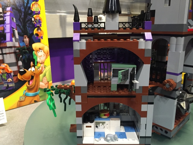 New-York-Toy-Fair-2015-LEGO-Scooby-Doo-Mystery-Manor-Kitchen-640x480.jpg