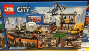 60097 LEGO City Square Summer 2015 Set Released