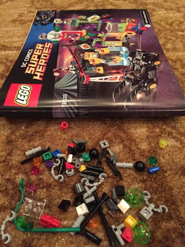 76035 LEGO Jokerland Pieces
