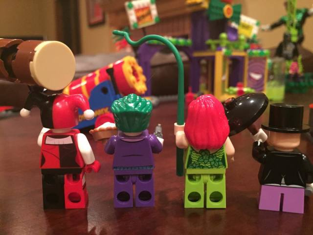 Back of LEGO Jokerland Villains Minifigures