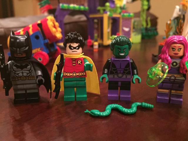 LEGO Beast Boy Starfire Robin Batman Minifigures 2015