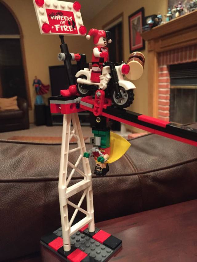 LEGO Jokerland Harley's Wheels of Fire Ride with Harley Quinn and Robin Minifigures