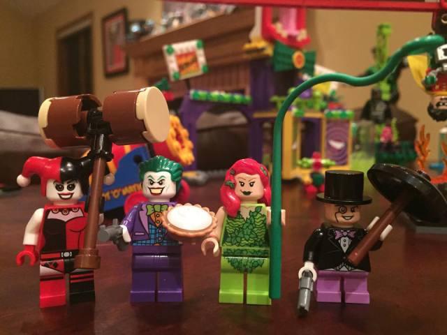 LEGO Minifigures Joker Penguin Harley Quinn Poison Ivy
