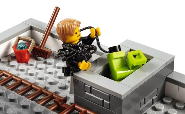 Brick Bank Modular Building Robbery LEGO Minifigures