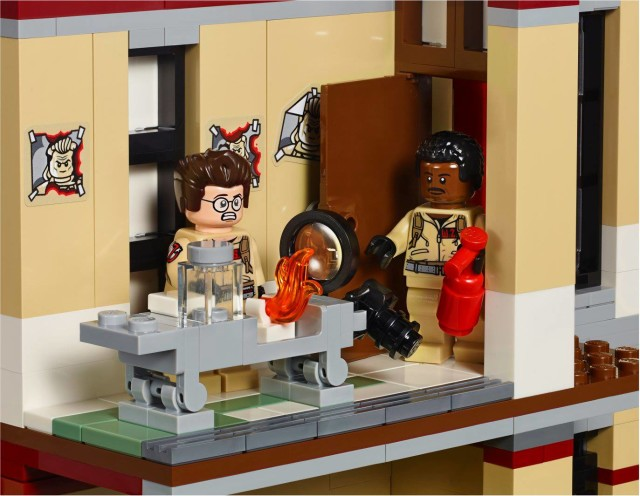 LEGO Ghostbusters Egon's Lab in Firehouse Headquarters