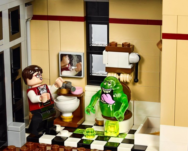 LEGO Ghostbusters Janine Minifigure with Slimer on Toilet