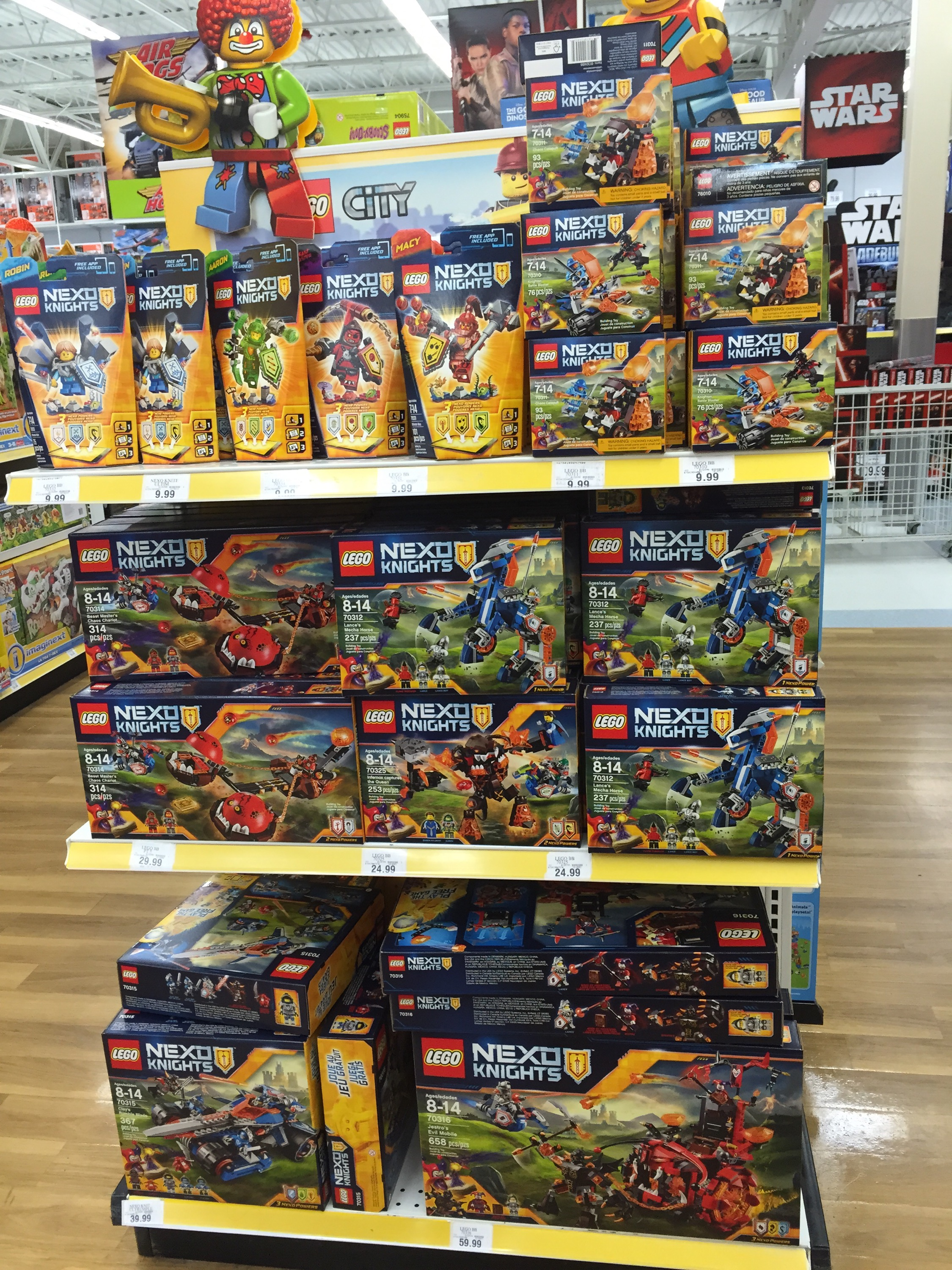 2016 LEGO Nexo Knights Sets Released & Photos! - Bricks and Bloks