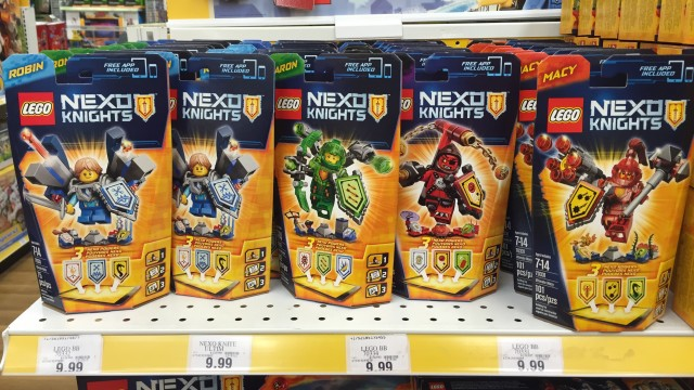 LEGO Nexo Knights Ultimate Figures Aaron Macy Robin Beast Master